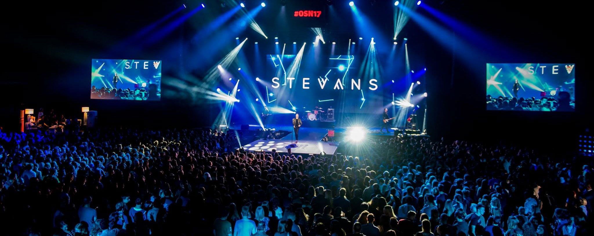 Stevans, Renaissance, swiss electro-pop band, live, on stage